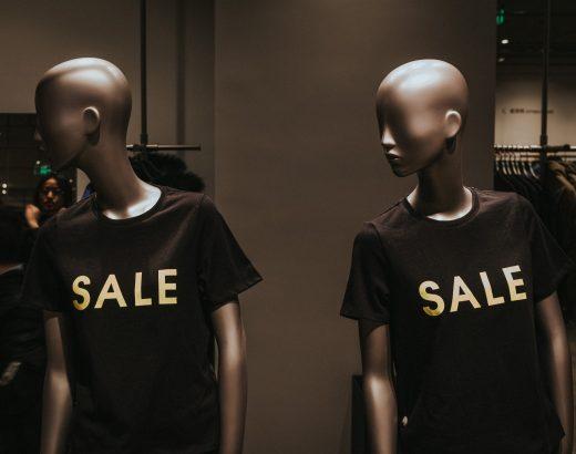Manekiny sklepowe dziecięce – naco zwracać uwagę przy zakupie?