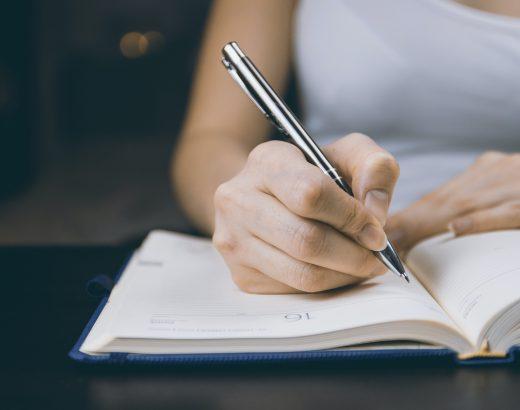 Tłumacz przysięgły – zaufaj profesjonaliście zkwalifikacjami